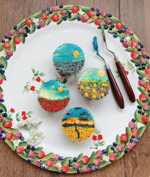 Palette Knife Painting on Cupcakes